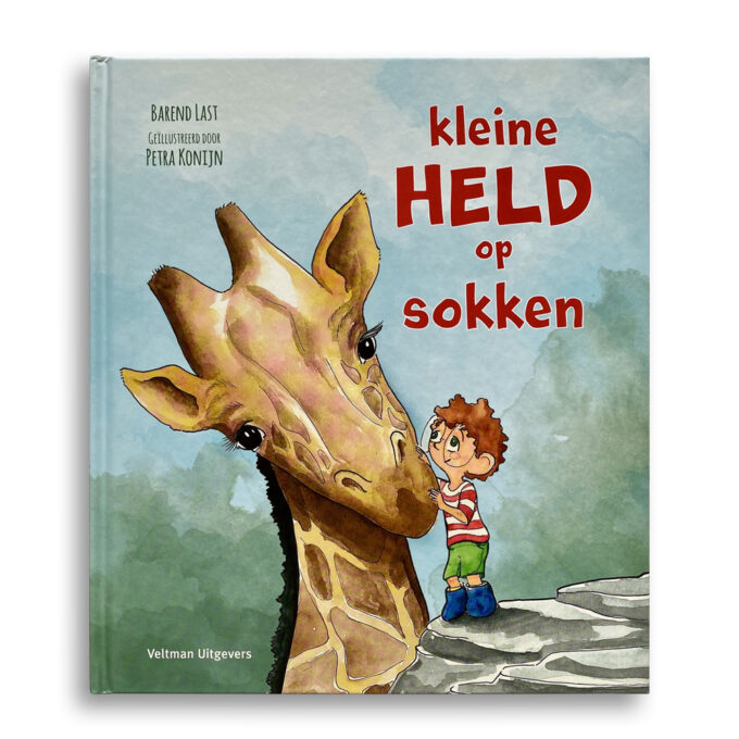 Cover kinderboek Kleine held op sokken. EmotieBoeken.
